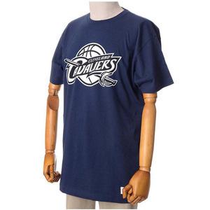 미첼엔네스 NBA 클리블랜드 트랜디셔널 반팔티(네이비), MITCHELL&NESS NBA CLEVELAND CAVALIERS BLACK AND WHITE LOGO TRADITIONAL TEE - NAVY - 풋셀스토어