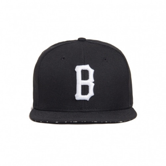 [블랙스케일]BLACK SCALE B Logo Weaponry New Era (Black) - 풋셀스토어