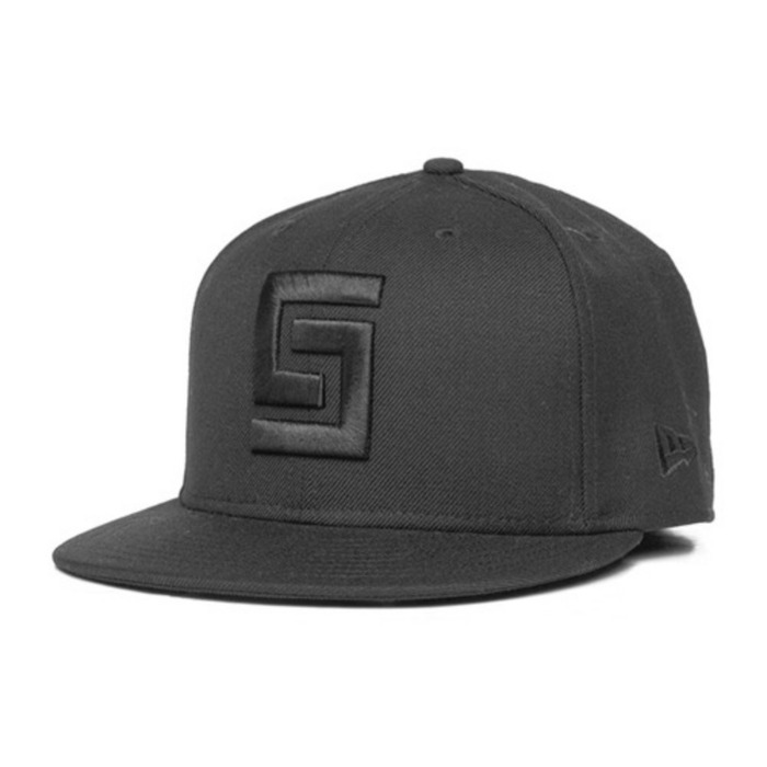 [크룩스앤캐슬]CROOKS & CASTLES Mens Woven Fitted Cap - Greco Logo [1] - 풋셀스토어