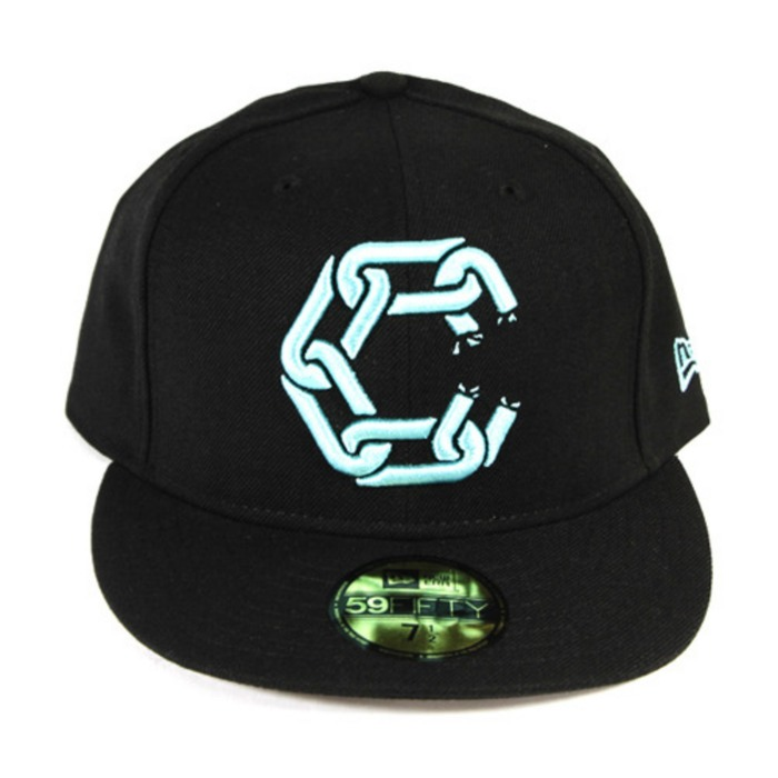 [크룩스앤캐슬]CROOKS & CASTLES New Chain Fitted Cap [2] - 풋셀스토어