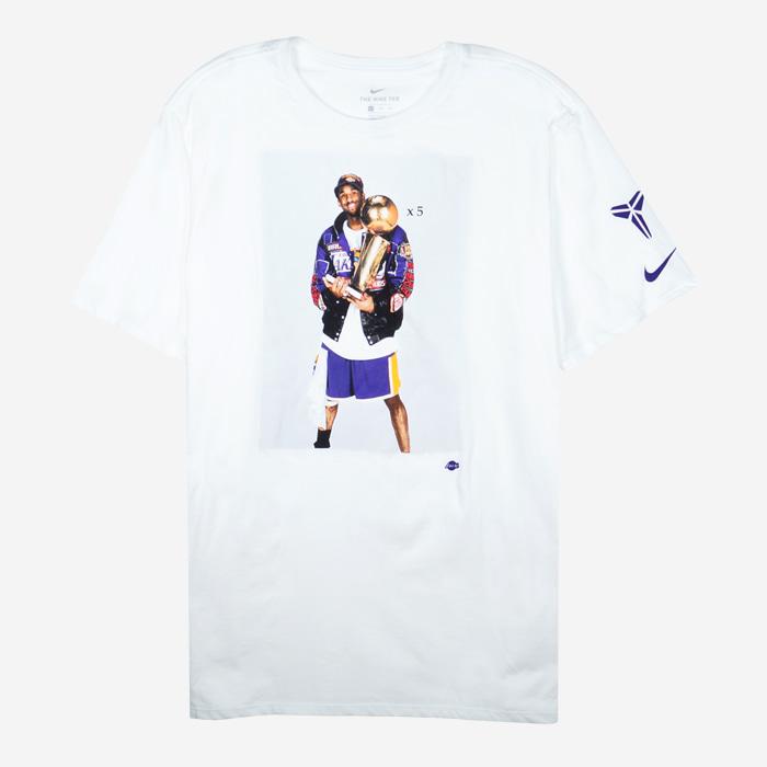 나이키 NBA 코비 GOAT 포토 반팔티 AV1261-100 남성티셔츠 - 풋셀스토어
