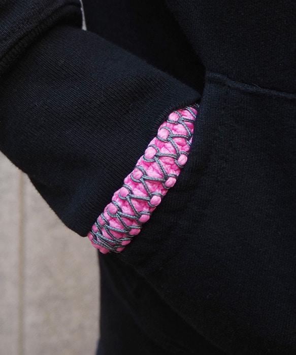 [피오에이] 세이즈믹 팔찌 핑크 / 그레이 [핸드메이드   매듭팔찌] - 풋셀스토어