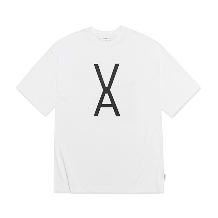 [바잘] VA 블랙 빅로고 반팔 티셔츠 화이트 - 풋셀스토어